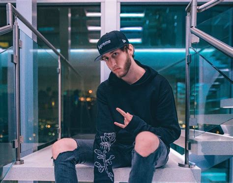 How Much Money FaZe Banks Makes On YouTube - Net Worth
