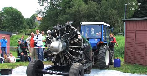 30-Liter Russian Radial Engine Starts Up at Tractor Show