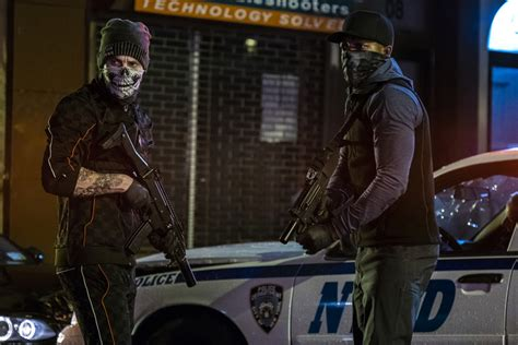 '21 Bridges' review: A police manhunt plays out within