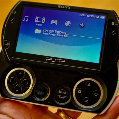Sony PSP Go console - First Look