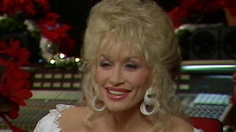 FLASHBACK: Dolly Parton Shows Off How to Record a