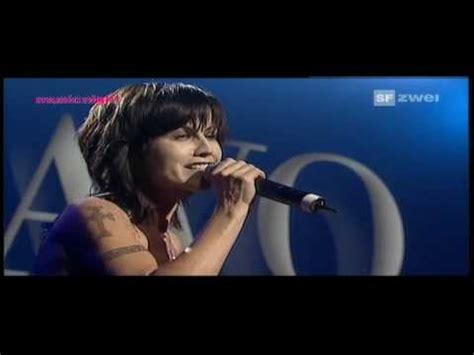 Dolores O'Riordan (Cranberries) - Ode To My Family (2007